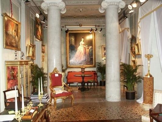 Villa castelbarco milano for Vendita mobili in stile