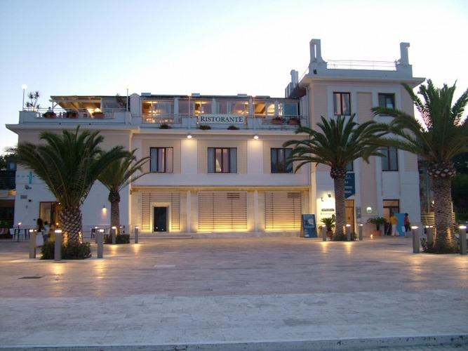 Matrimoni Spiaggia Napoli : Location matrimoni mare per ricevimenti di nozze al mare