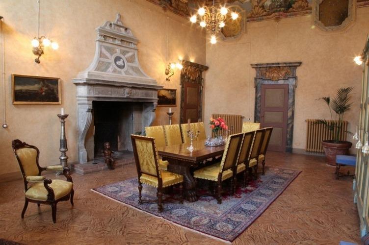 Palazzo tornielli mombello monferrato alessandria for Interni ville antiche