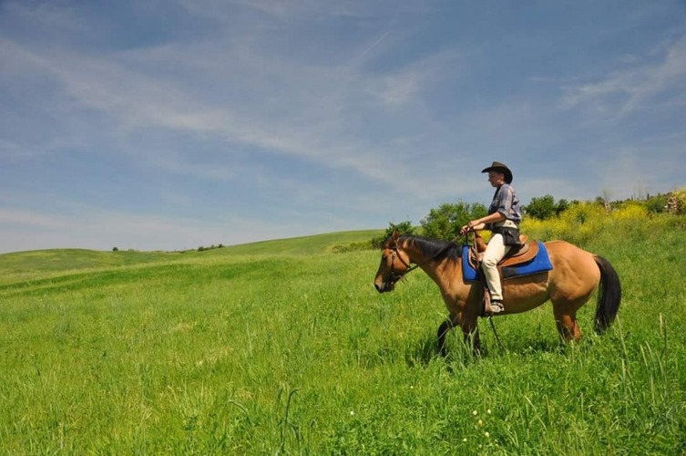 Riding Tuscany ranch