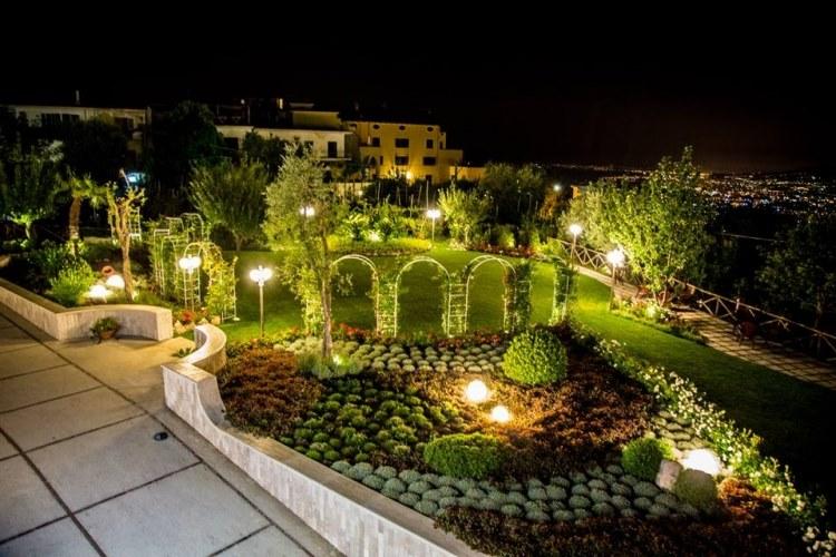 Il giardino delle rose lettere idee per la casa - Il giardino delle rose ...