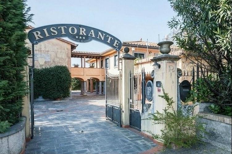 hotel ristorante la pietra a fosdinovo massa carrara