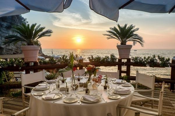 Location Matrimonio Spiaggia Napoli : Il bikini vico equense napoli
